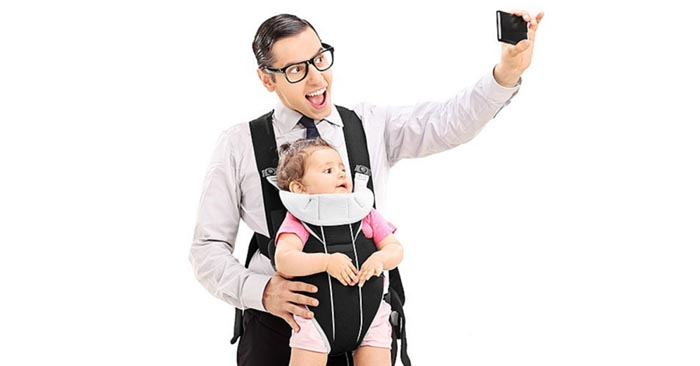 Oversharenting Baby Selfie (image)