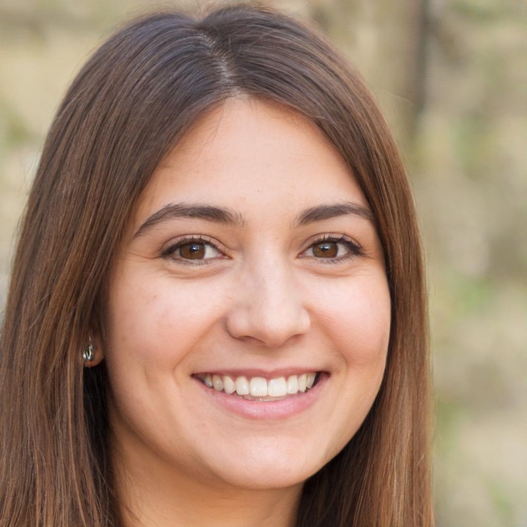 Victoria Almanza Headshot